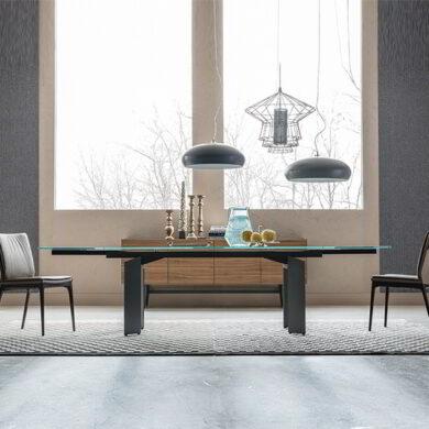 Elan Drive è il tavolo allungabile con piano in vetro